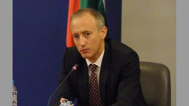 Красимир Вълчев: Няма да се удължава учебната година, матурите след 10 и 12 клас остават