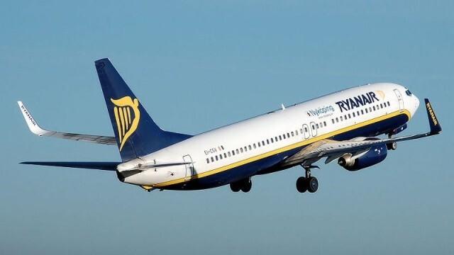 Самолет със 164 пътници кацна аварийно в Солун заради пожар