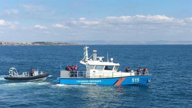 Издирват изчезнал мъж край Каварна, влязъл в морето с професионален риболовен каяк