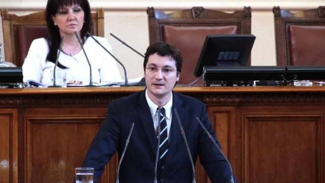Крум Зарков: Не ни харесва съдържанието на Закона за мерките при извънредно положение, БСП ще се въздържи от гласуване