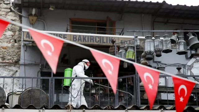 Турция въвежда допълнителни ограничителни мерки заради новия щам