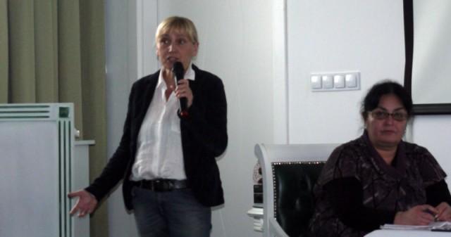 Елена Йончева: Единственият начин да се преодолеят фалшификациите на изборите е всички да излязат и да гласуват срещу ГЕРБ