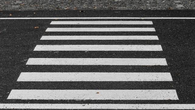 Фиат помете пешеходец с 3,50 промила, мъртвопияният спазил правилата за движение