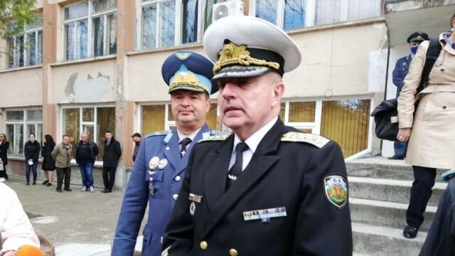 Началникът на отбраната: Амбицията ни е да имаме български представители в бъдещия космически център на НАТО