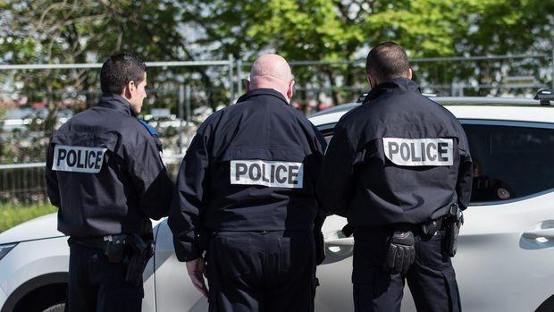 Париж: ИД пое отговорност за убийството на полицейския началник и жена му