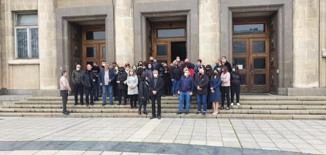 Русенски прокурори и служители на държавното обвинение излязоха на мълчалив протест