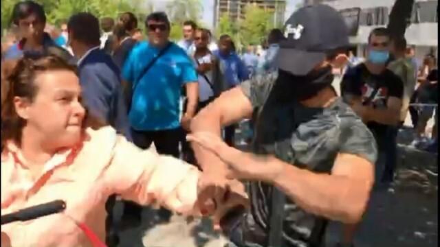 Нападателят от конференцията на ГЕРБ щял да получи пари за провокацията