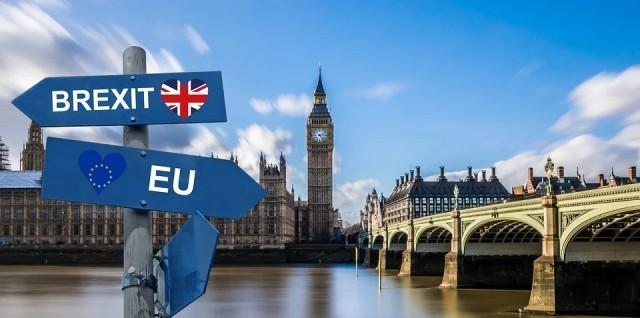 Извънредни парламентарни избори във Великобритания, Джонсън тегли към Брекзит