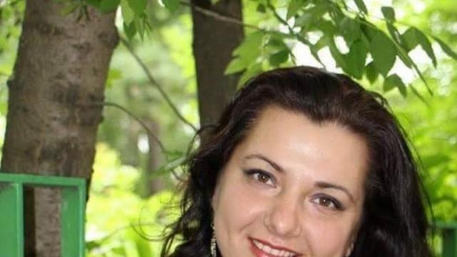 Андреана Николова пее отново в дебютната си роля  на Азучена