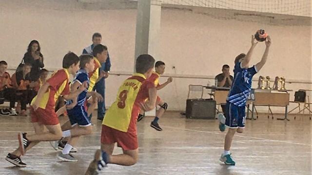 """Хандбален турнир """"Чрез спорт към толерантност"""" се проведе в град Левски"""