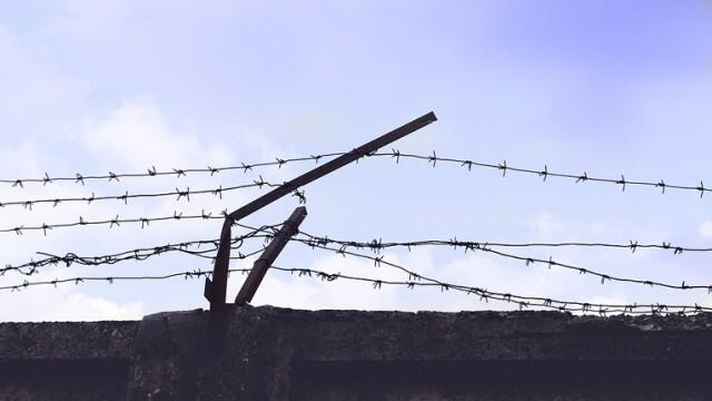 Десетки загинали и ранени при бунт в затвор