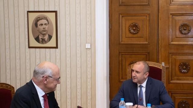 Шефът на КЕВР разкри на Румен Радев какви са натрупаните проблеми в сектора