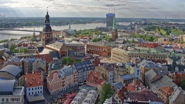 В Латвия - извънредно положение заради COVID-19, задължителна ваксинация за публичния сектор