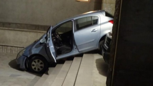 Шофьорка полетя по стълбите на болница, объркала изхода