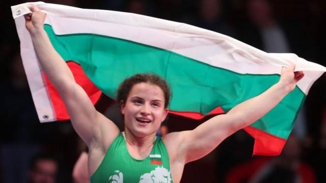 Биляна Дудова триумфира с трета европейска титла по борба /Снимки/