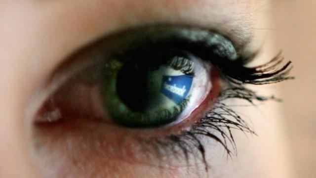 """След ада в Париж: Facebook активира опция """"В безопасност съм"""""""