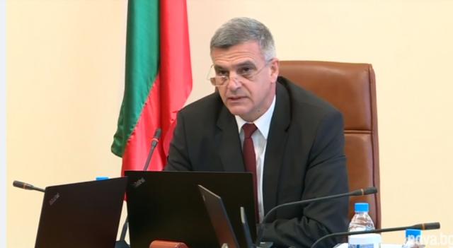 Стефан Янев в прав текст: Кой определя постовете в потенциалния бъдещ кабинет?
