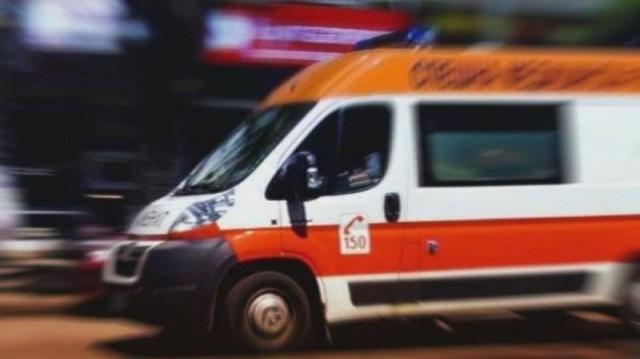 Двама загинали и десет ранени при верижни катастрофи на