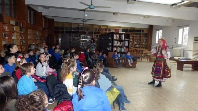 """Над 120 деца се срещнаха с Баба Марта в библиотеката на НЧ """"Съгласие 1869"""""""
