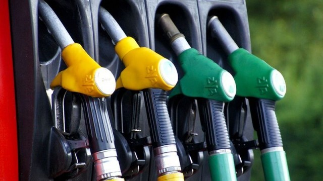 Цената на горивото скочи с над 50% за една година