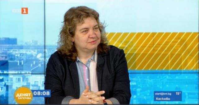 Доц. Киселова: Депутатите пропуснаха много шансове, а спорят за един ден