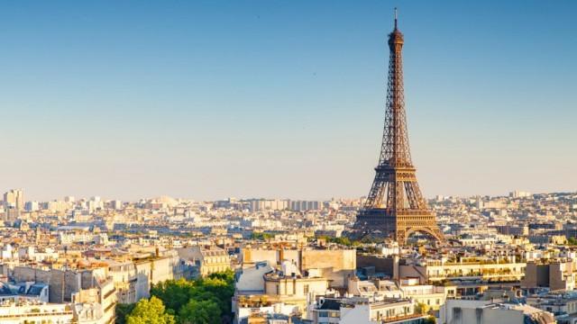 АТАКА В ПАРИЖ: Мъж нападна военен в центъра на френската столица