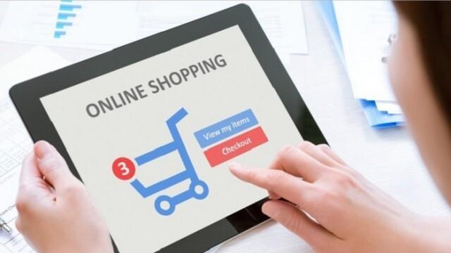 Малцина плащат с карта при онлайн пазаруване
