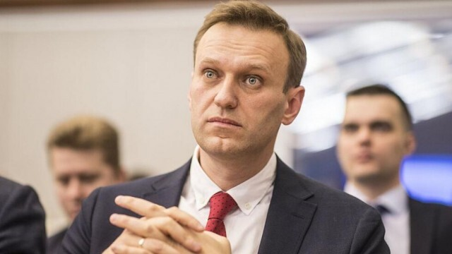 Навални излезе от кома