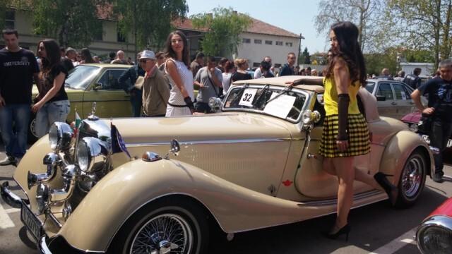 Ретро парад събира в Русе любителите на редки автомобили
