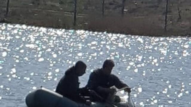 """Инспектори на РК - Плевен извадиха 180 метра мрежи от язовир """"Табакова чешма"""""""