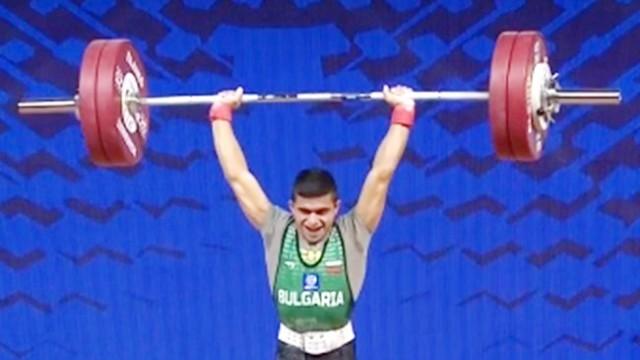 Русенски щангист гони олимпийска квота за Токио на подиума в Иран