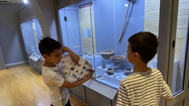 Музеят разкрива на ученици тайните на археологията