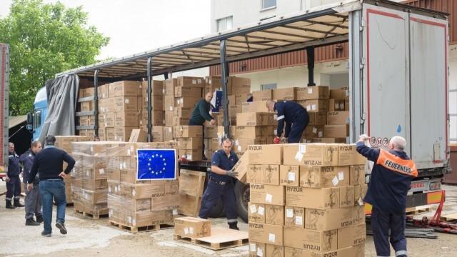 ЕС финансира транспортирането на медицински стоки до България