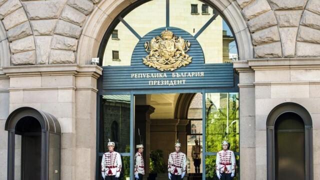 Прокурори влязоха в президентството