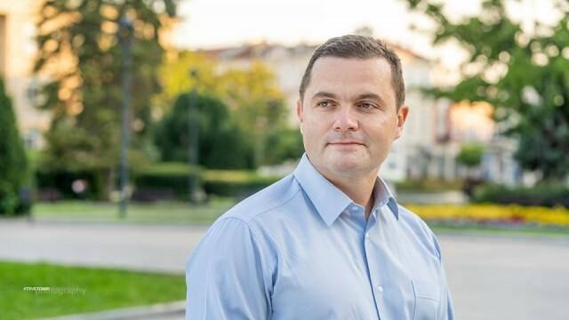 Заради коронавирус русенският кмет посрещна 42-рия си рожден ден в болница