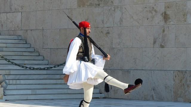 Гърция с мерки за социална изолация до 27 април
