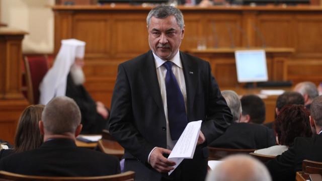 Валери Симеонов предлага въвеждане на полицейски час в страната