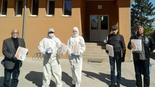 Над 30 комплекта защитни облекла дари общинската структура на ГЕРБ в Сливо поле