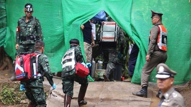 Щастлив край: Спасиха всички момчета и треньора им от пещерата в Тайланд