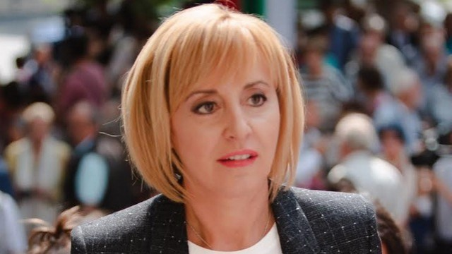 Манолова захапа премиера:  Холдингът във ВиК-сектора е мегасхема за източване на държавни пари