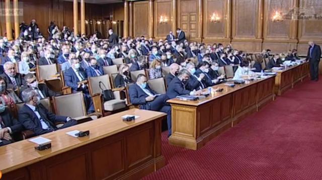 Ива Митева свиква извънредно заседание на парламента