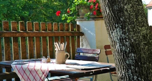 Заведенията за отварянето на градините им: Нека не ни отварят, да ни компенсират