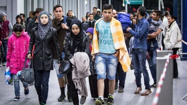 Приеха квотите, Румъния, Словакия и Чехия вземат бежанци насила