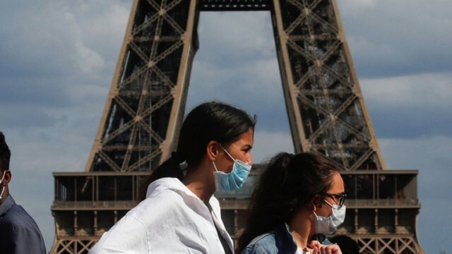 Франция затваря училища заради COVID-19, доближава пика на заразените от края на март
