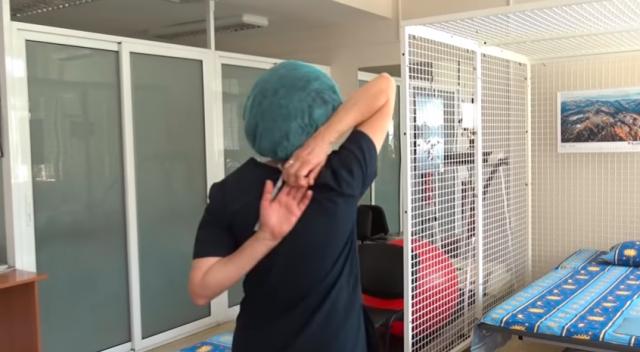 Ето как да се справим с обездвижването  - най-важните упражнения за работещите вкъщи показват лекари от ВМА (Видео)