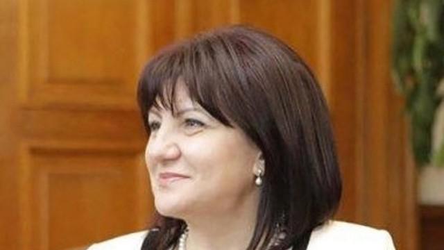 Цвета Караянчева отговори на президента: Народната милиция респектираше несъгласните българи