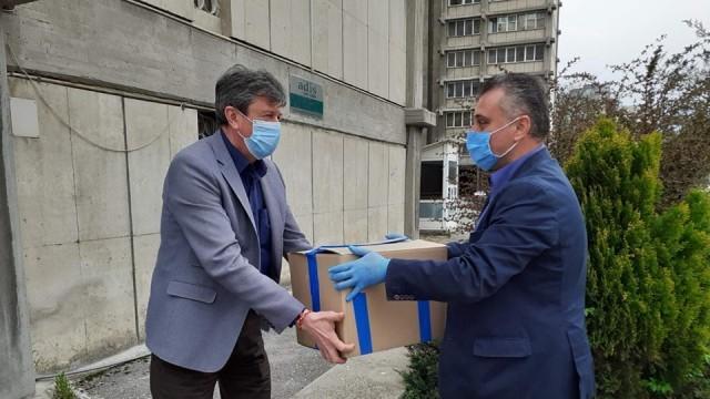 ВМРО дари изработени от РУ предпазни шлемове на лекарите от Северна Македония