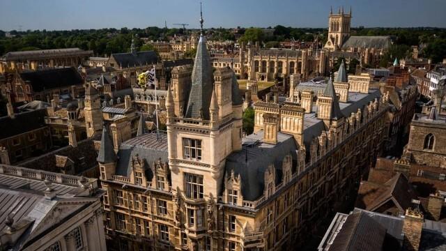 Удар по джоба: Студентите първа година от ЕС във Великобритания може да плащат с 800 паунда повече