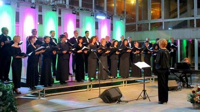 """С юбилеен концерт Общински хор """"Гена Димитрова"""" празнува 25-ата си годишнина"""