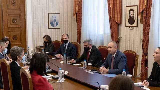Румен Радев се срещна с представители на ОССЕ, които ще наблюдават парламентарните избори
